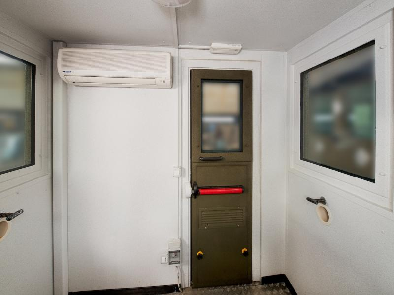 GUARD BOOTH MOD CAF - INSIDE VIEW